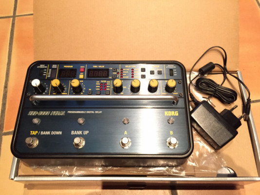Vendo delay Korg SDD 3000 pedal