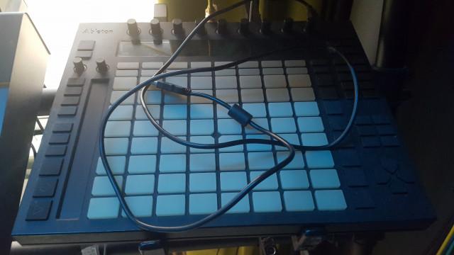 PUSH 1, cable USB y ENVÍO INCLUIDO A PENÍNSULA
