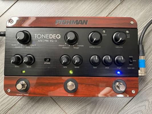 Fishman ToneDeq AFX Preamp EQ and DI con Dual Effects acústica