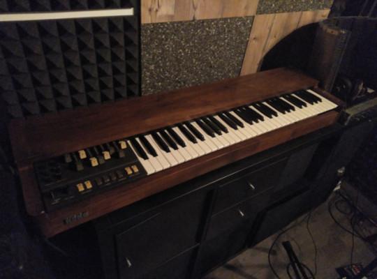 Órgano analógico Korg Cx3 de 1979 (RESERVADO)