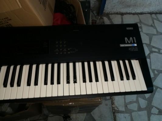 teclado Korg M1