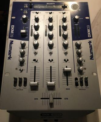 Numark DXM 09 (Mixer para Dj's con efectos)