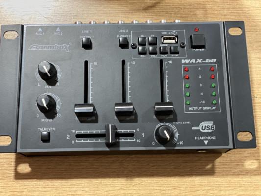 Mesa de DJ compacta WAX-50 3CH USB (NUEVO)