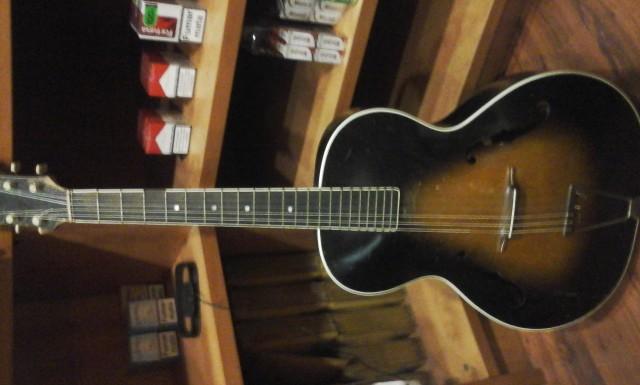 Guitarra Jazz  A.Carbonell  1936