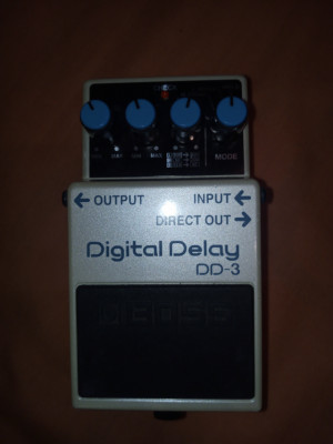 Morley Emerald Echo; Fender Chorus; Dunlop JH1