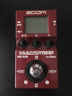 Multiefectos para bajo Zoom MS-60B