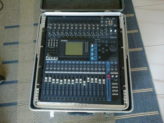 Mesa digital Yamaha 01 v96 v2(Flight case a medida)