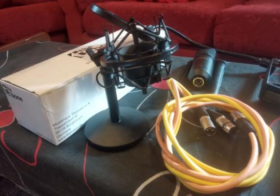 Micrófono condensador the t.bone SC 600, antipopping, cables y base para cambio