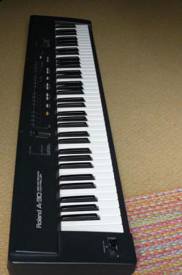 Controlador midi Roland A30 76 teclas semicontrapesadas