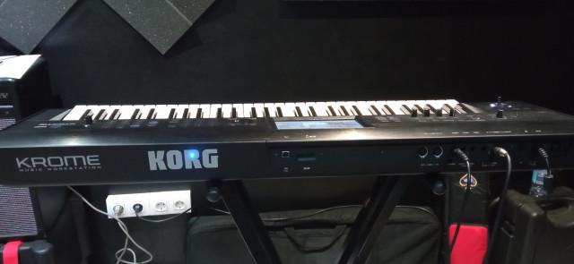 Vendo Korg Krome 61