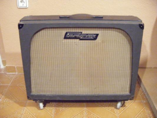 Pantalla 2x12 USA, 60-70. Pino macizo, altavoces Fender-Eminence.