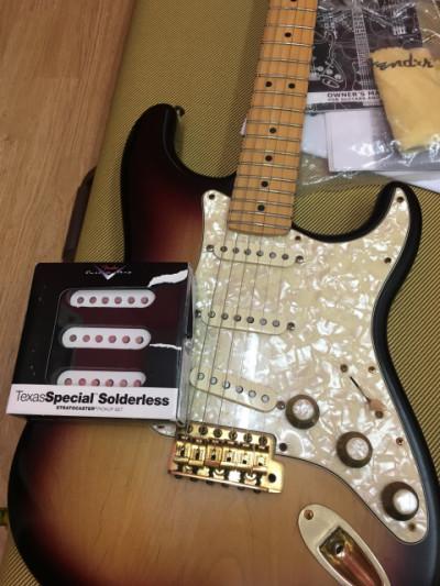 Fender Stratocaster Americana (modificaciones: pastillas, puente, clavijas)