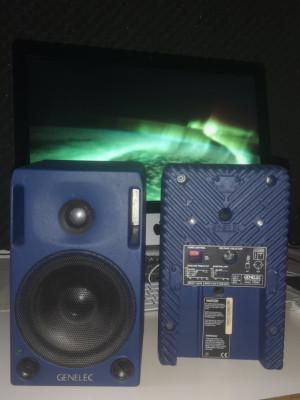 GENELEC 1029 special blue edition