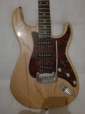 G&L tribute s500 natural gloss mejorada