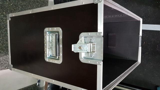 Flight case pantalla marshall 1960bx