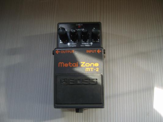 Boss Metal Zone 1-ª Versión.