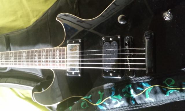 Guitarra eléctrica Ibanez DN300