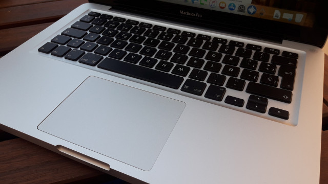 "vendo macbook pro 13,3"" i5 500gb 4gb ram 2012 high sierra lleva i"