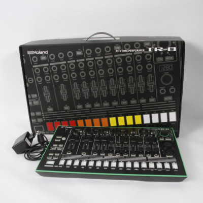 Caja de ritmos ROLAND TR-8 de segunda mano E320766