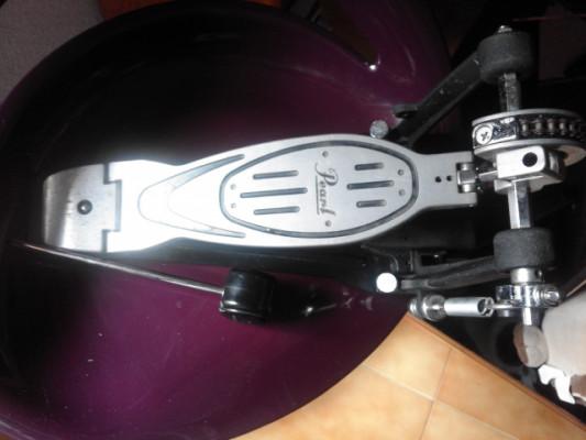 Pedal de bombo Pearl P-900