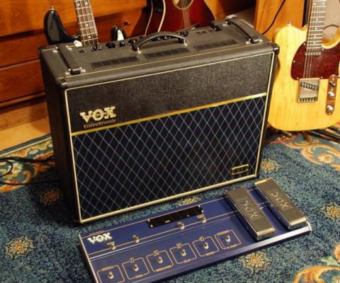 Amplificador Guitarra VOX VTX120 con pedalera