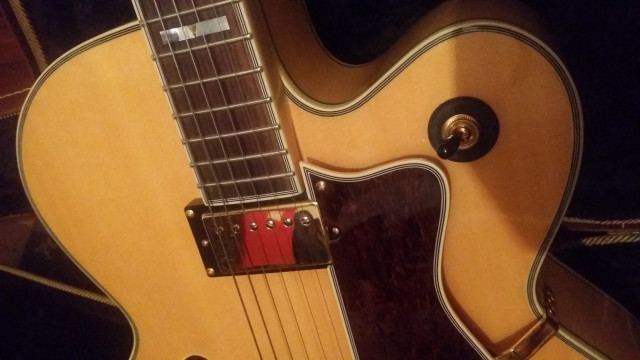 Guitarra CAMBIO