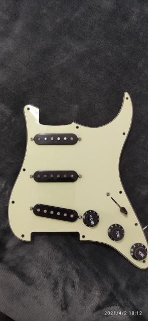 Golpeador, pastillas, completo para Stratocaster.