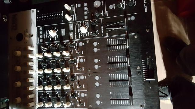 Mesa de mezclas KORG ZERO 4 - INTERFACE AUDIO-CERTIFICADA TRAKTOR