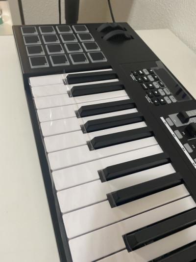 Teclado MIDI M-Audio CODE 61