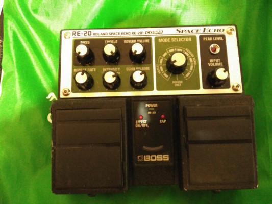 O cambio por novation circuit pedal Boss re-20