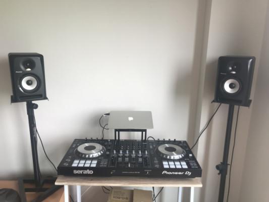 Pionner DDJ-SZ2 nueva y Monitores S-DJ50X