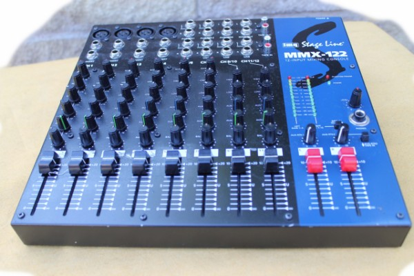 Mesa Stage Line MMX-122  12 canales