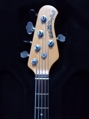 Bajo Musicman stingray 5 cuerdas bass negro