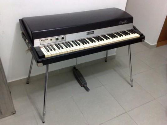 Afinación y mant. de pianos y tipo RHODES