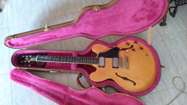 Gibson ES335 Dot