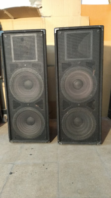 2 Electro-Voice T252 800w