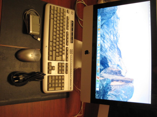 """iMac 21,5"""" con i3 y 5,86GT/s"""