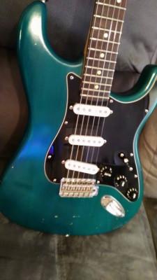 Vendo o cambio Fender stratocaster standar usa año 91 , estuche .