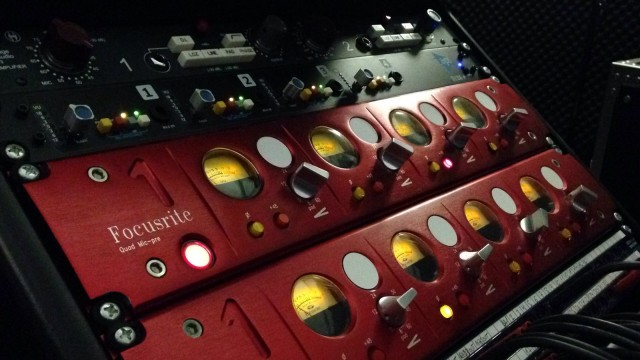 FOCUSRITE RED 1 (4 CANALES )