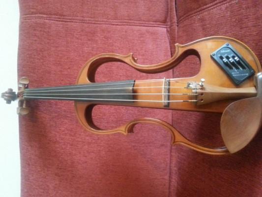 Vendo violín eléctrico Carlo Giordano Barítono
