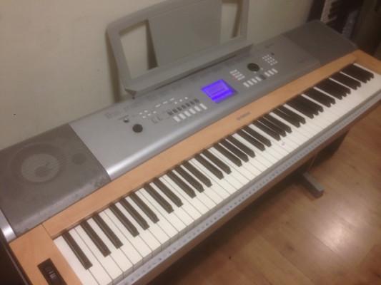Teclado Yamaha DGX-620