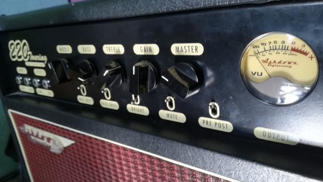 Cambio/vendo Amplificador de bajo. Ashdown Touring Dual tube.