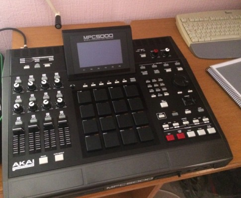 Sampler Akai MPC5000