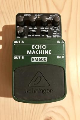 Delay Behringer EM600