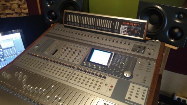 Mesa sonido digital Tascam DM4800