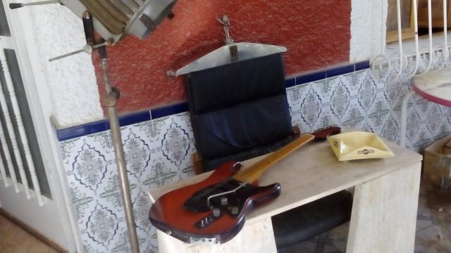 Casio Ibanez Guitar MIDI MG-500, modificada con mastil stratocast
