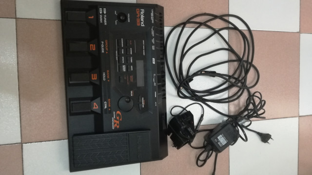 Sintetizador Roland gr33