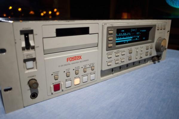 Fostex D-25 DIGITAL MASTER RECORDER
