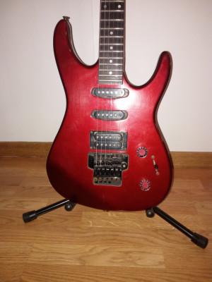 O CAMBIO Guitarra Squier HM años 80. Heavy total.