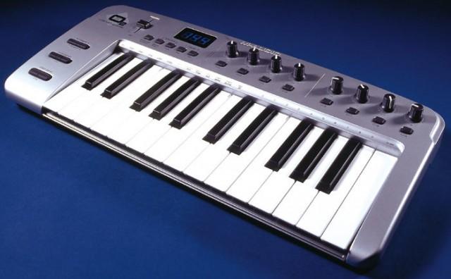 Teclado USB MIDI M-Audio O2, 25 teclas